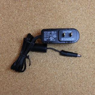 Adaptador de pared - 12VDC 1A